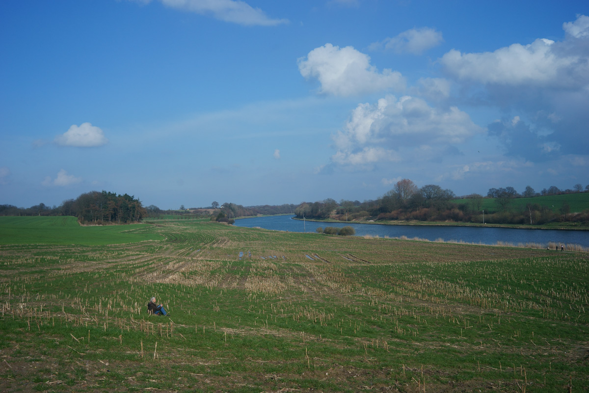 Name:  landschaft.jpg Hits: 1686 Größe:  300,8 KB