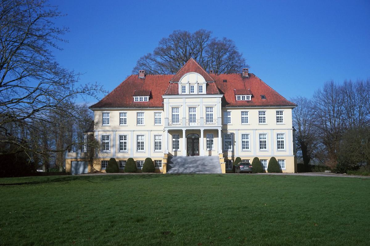 Name:  herrenhaus_totale.jpg Hits: 1661 Größe:  291,1 KB