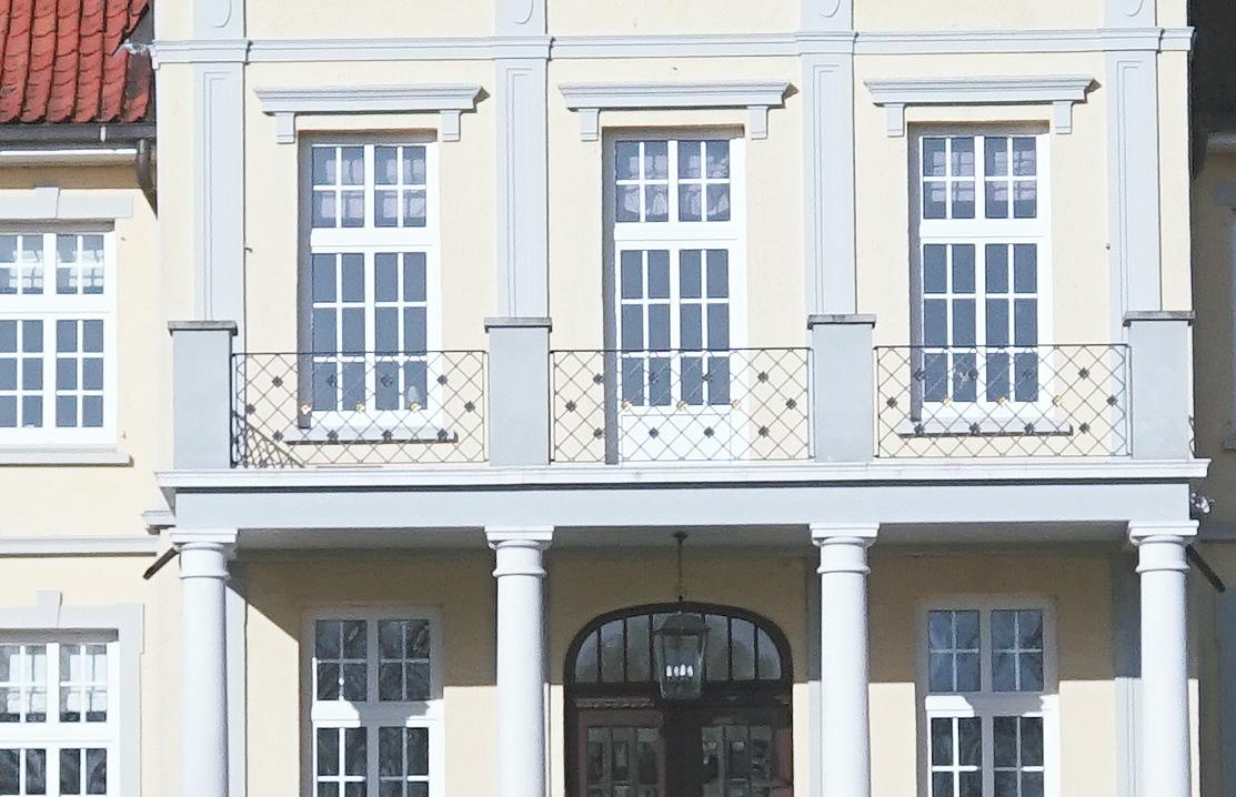 Name:  herrenhaus_crop.jpg Hits: 1714 Größe:  282,5 KB