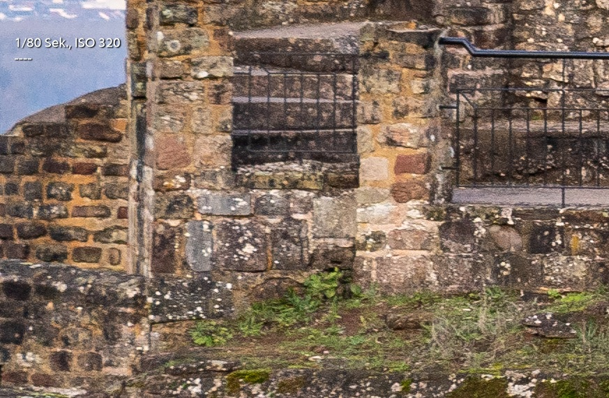Name:  Crop Burg f8 rand.jpg Hits: 277 Größe:  293,2 KB