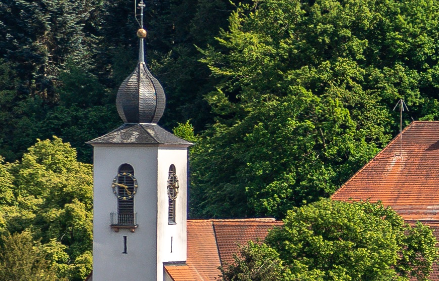 Name:  Crop Kirchenuhr 85mm f8.jpg Hits: 272 Größe:  280,1 KB