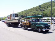 Chevrolet 3100 Truck mit Boot