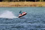 Mit Motor über das Wasser