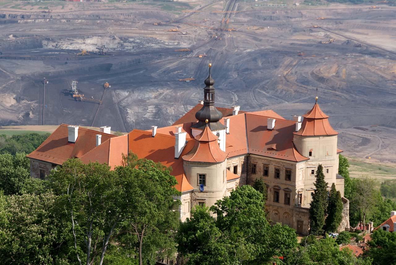 Kohle vs Schloss