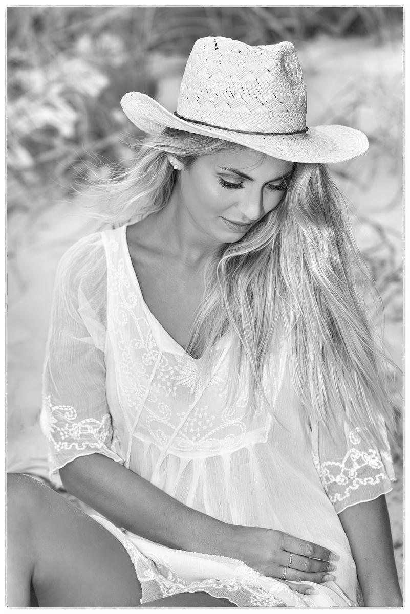 Moa black & white