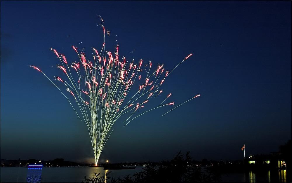 Feuerwerk über der Außenalster
