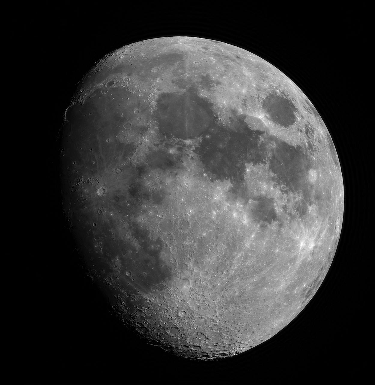 Der Mond mit 420mm Brennweite